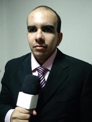 Renato com microfone